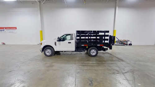 8-Stakebed-Ford-F-350-smyrna-truck-full.jpg