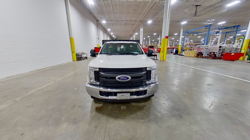 8-Stakebed-Ford-F-350-smyrna-truck-front.jpg
