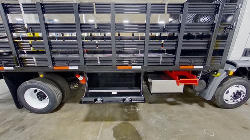 21-Stakebed-Kenworth-K270-smyrna-truck-compart