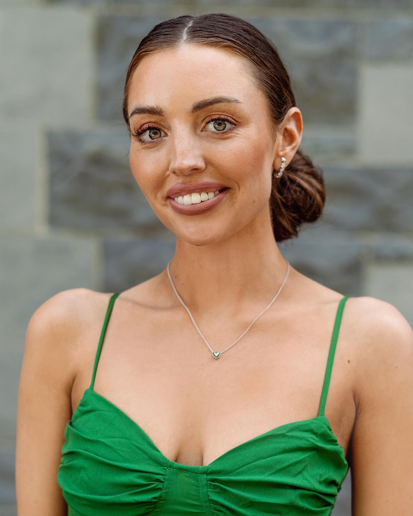 candidatas a miss earth ireland 2021. final: 27 de agosto. R0bISV