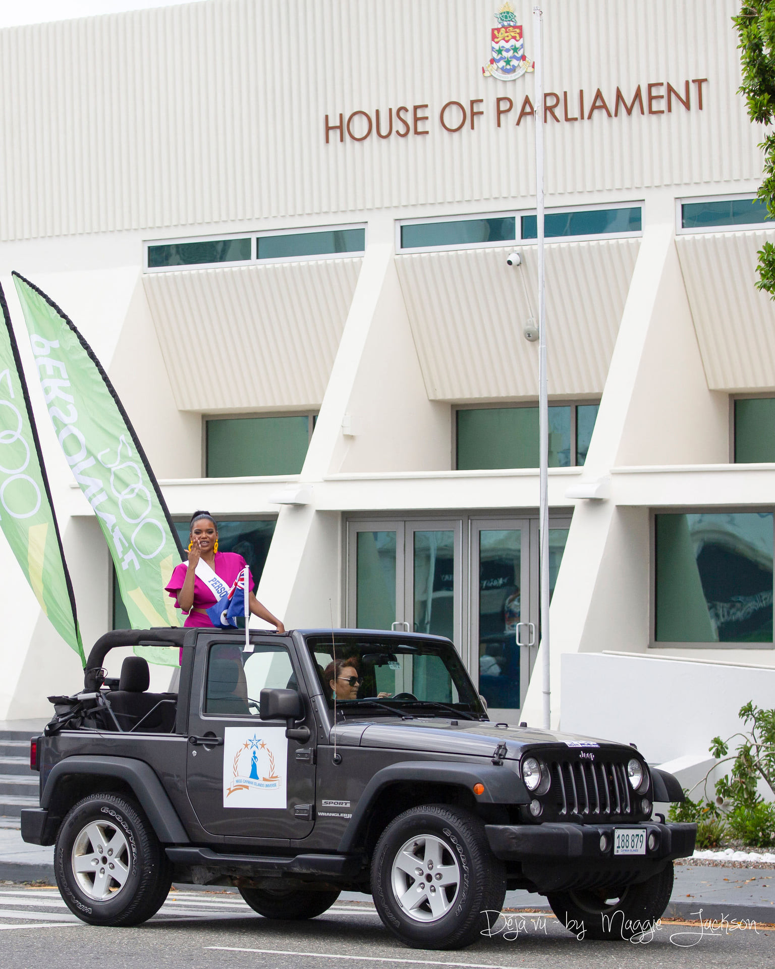 candidatas a miss universe cayman islands 2021. final: ? - Página 3 RkfBt4