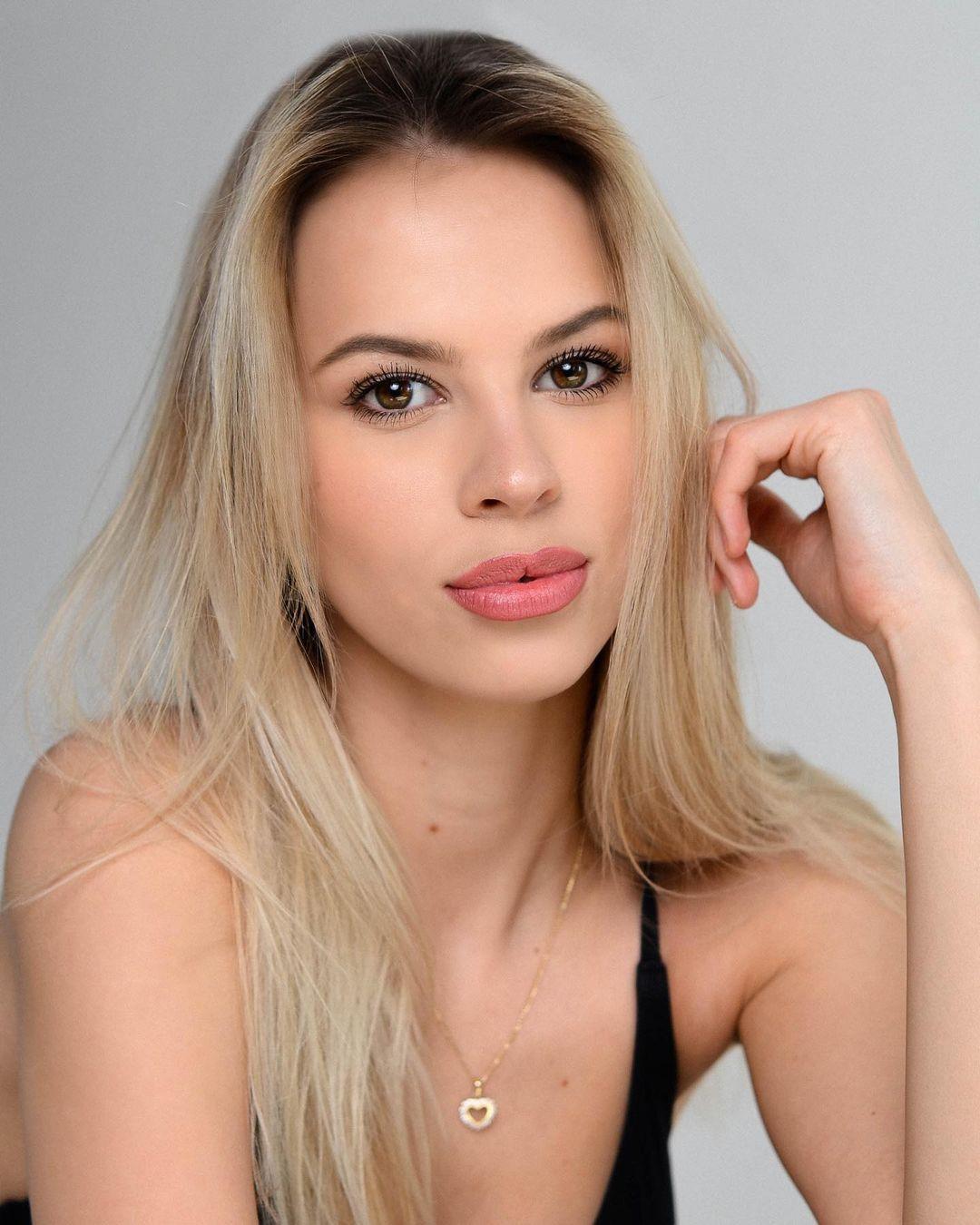 candidatas a miss universe slovakia 2021. final: ? Ry2BHP