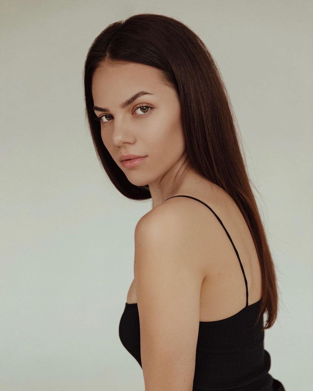 candidatas a miss universe slovakia 2021. final: ? RydsVf