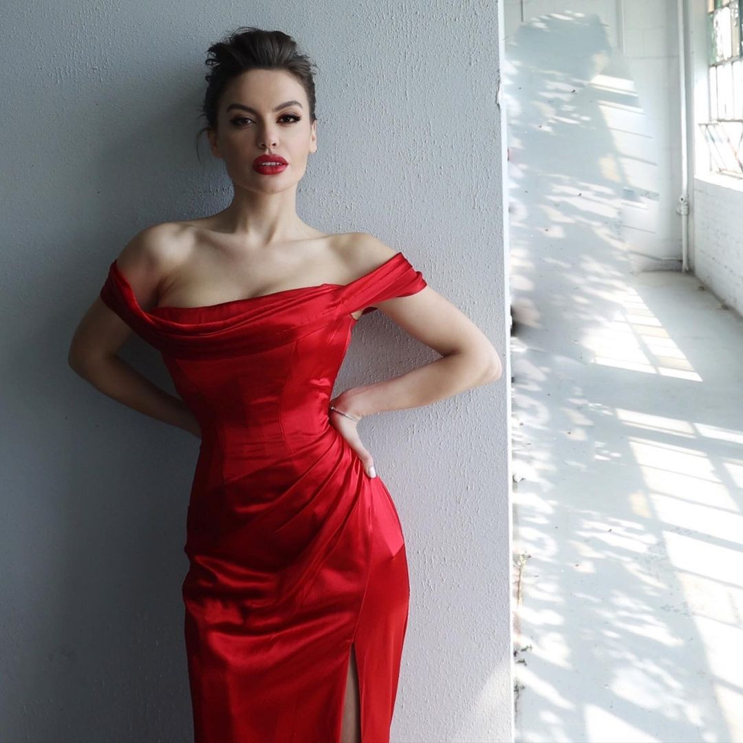 miss universe albania 2021 de bikini. Ojmr6G